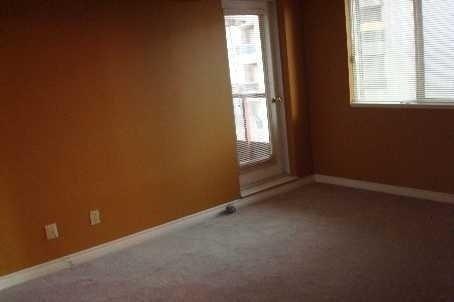 Condo Apartment at 736 Bay St, Unit 812, Toronto, Ontario. Image 5