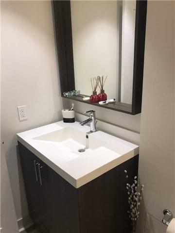 Condo Apartment at 18 Graydon Hall Dr, Unit 102, Toronto, Ontario. Image 11