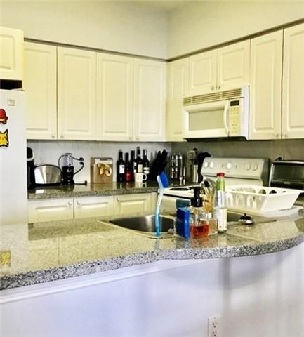 Condo Apartment at 388 Bloor St E, Unit 2002, Toronto, Ontario. Image 18