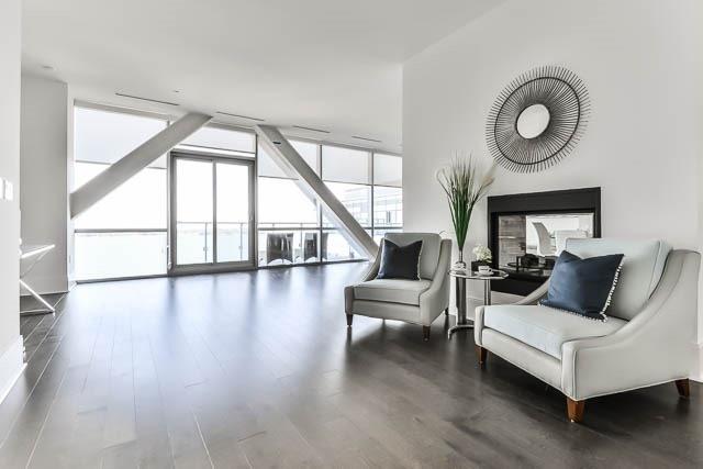 Condo Apartment at 29 Queens Quay E Way E, Unit Ph1204, Toronto, Ontario. Image 15