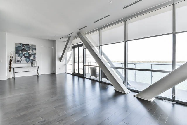 Condo Apartment at 29 Queens Quay E Way E, Unit Ph1204, Toronto, Ontario. Image 16