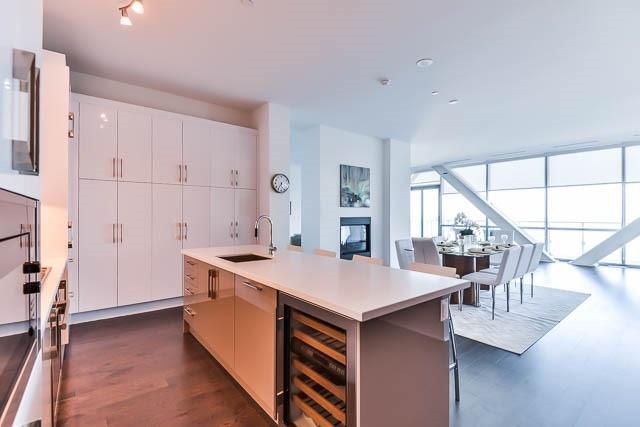Condo Apartment at 29 Queens Quay E Way E, Unit Ph1204, Toronto, Ontario. Image 2
