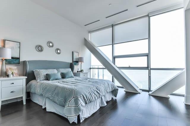 Condo Apartment at 29 Queens Quay E Way E, Unit Ph1204, Toronto, Ontario. Image 9