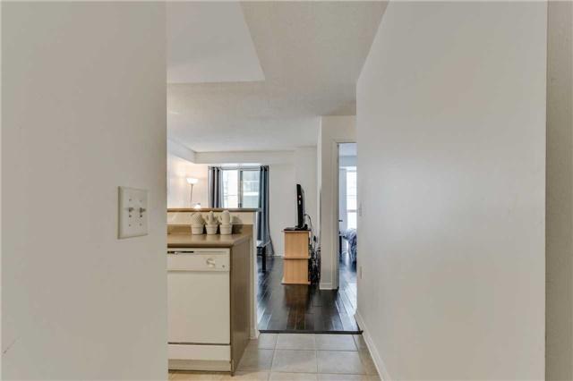 Condo Apartment at 22 Olive Ave, Unit 508, Toronto, Ontario. Image 17