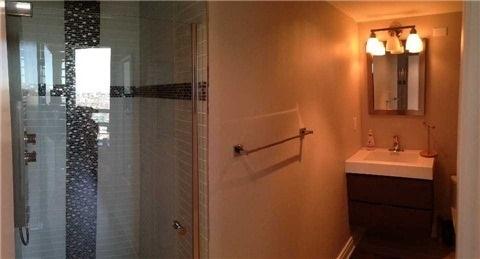 Condo Apartment at 219 Fort York Blvd, Unit Uph02, Toronto, Ontario. Image 2