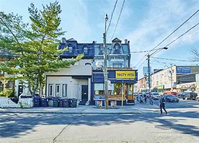 Townhouse at 296 Gerrard St E, Toronto, Ontario. Image 11