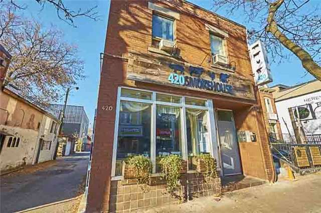 Townhouse at 296 Gerrard St E, Toronto, Ontario. Image 7