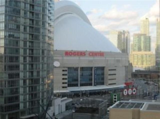 Condo Apartment at 10 Capreol Crt, Unit Parking, Toronto, Ontario. Image 3