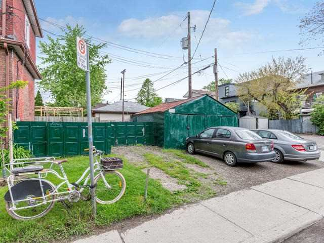 Semi-detached at 525 Euclid Ave, Toronto, Ontario. Image 10