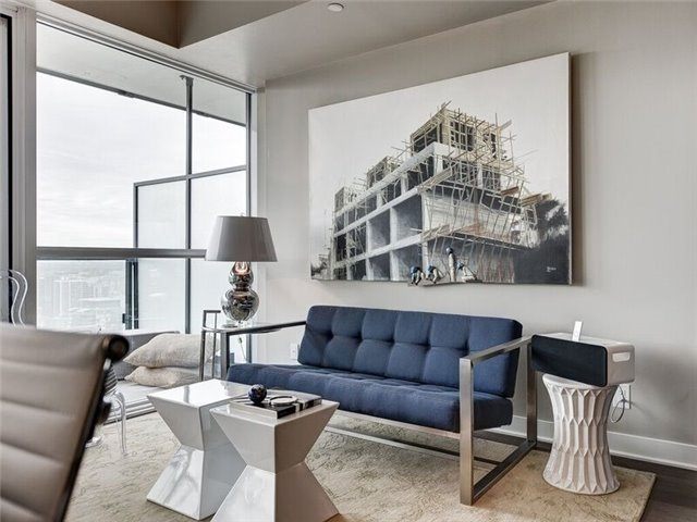 Condo Apartment at 15 Grenville St, Unit 3306, Toronto, Ontario. Image 14