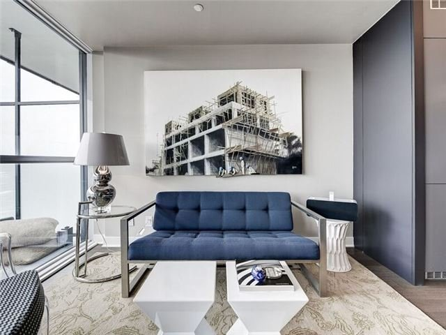 Condo Apartment at 15 Grenville St, Unit 3306, Toronto, Ontario. Image 15