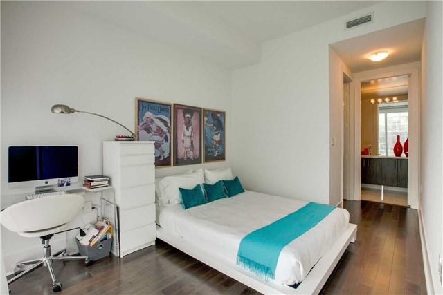 Condo Apartment at 29 Queens Quay E, Unit 908, Toronto, Ontario. Image 5