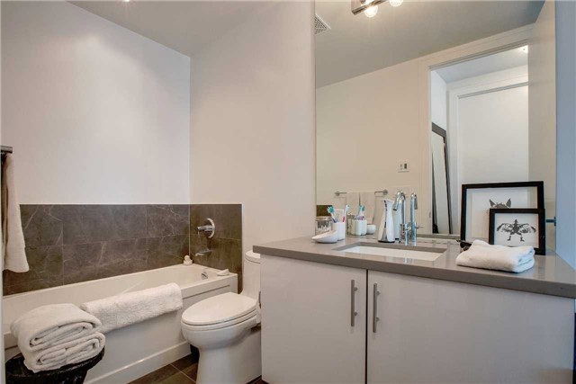 Condo Apartment at 29 Queens Quay E, Unit 908, Toronto, Ontario. Image 8