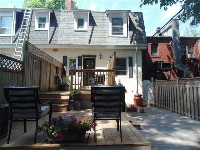 Semi-detached at 1055 Mount Pleasant Rd, Toronto, Ontario. Image 14