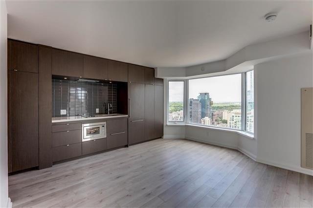 Condo Apartment at 155 Yorkville Ave, Unit 2907, Toronto, Ontario. Image 4