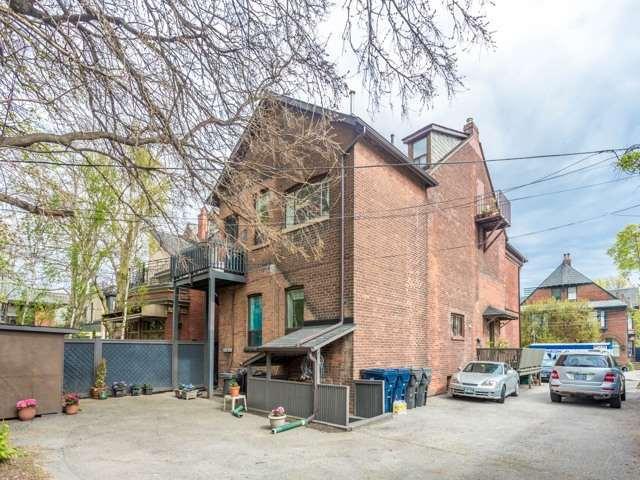 Detached at 50 Bernard Ave, Toronto, Ontario. Image 4