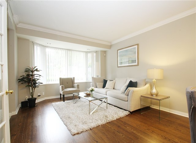 Condo Townhouse at 28 Sommerset Way, Unit 1101, Toronto, Ontario. Image 8