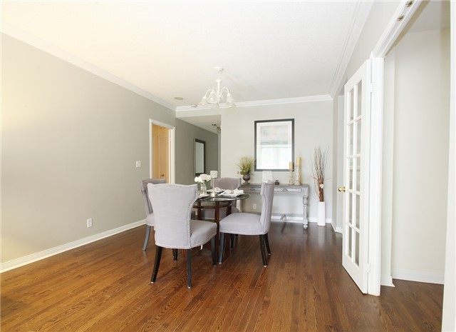 Condo Townhouse at 28 Sommerset Way, Unit 1101, Toronto, Ontario. Image 11