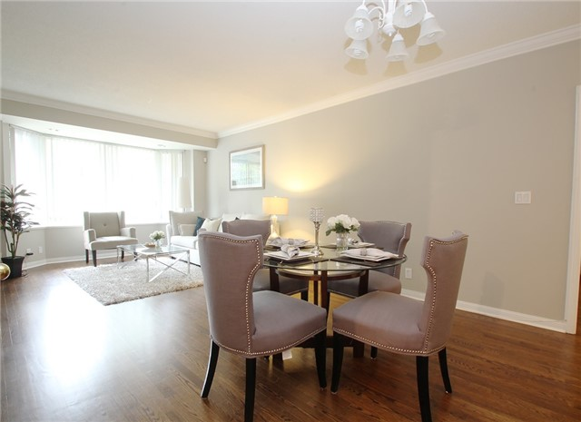 Condo Townhouse at 28 Sommerset Way, Unit 1101, Toronto, Ontario. Image 12