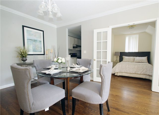 Condo Townhouse at 28 Sommerset Way, Unit 1101, Toronto, Ontario. Image 14