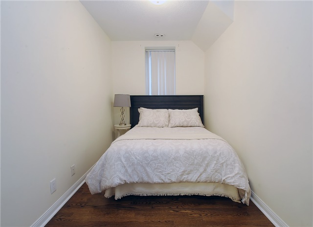 Condo Townhouse at 28 Sommerset Way, Unit 1101, Toronto, Ontario. Image 4