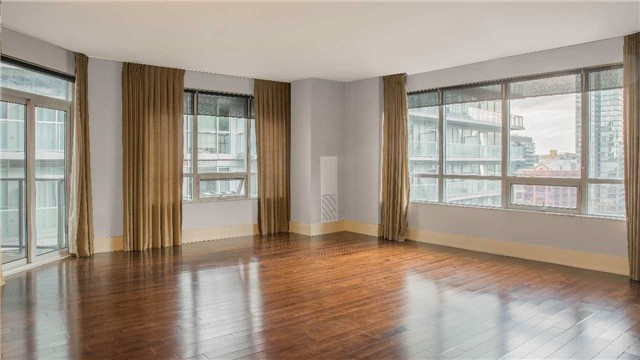 Condo Apartment at 20 Blue Jays Way, Unit 2122, Toronto, Ontario. Image 7