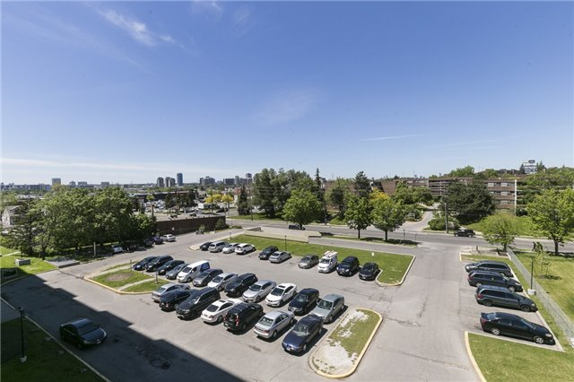 Condo Apartment at 45 Sunrise Ave, Unit #504, Toronto, Ontario. Image 11