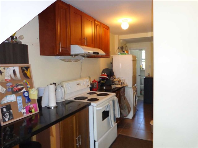 Duplex at 933 Dufferin St, Toronto, Ontario. Image 13