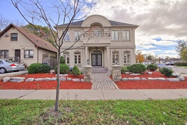 Detached at 77 Steeles Ave E, Toronto, Ontario. Image 12