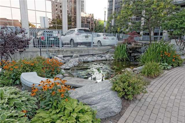 Condo Apartment at 18 Hollywood Ave, Unit 1405, Toronto, Ontario. Image 12