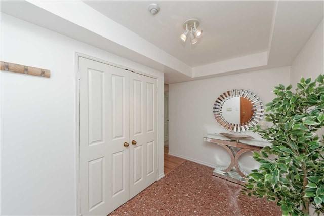 Condo Apartment at 18 Hollywood Ave, Unit 1405, Toronto, Ontario. Image 15