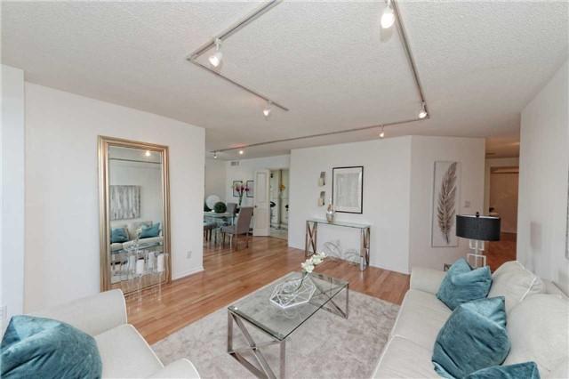 Condo Apartment at 18 Hollywood Ave, Unit 1405, Toronto, Ontario. Image 18