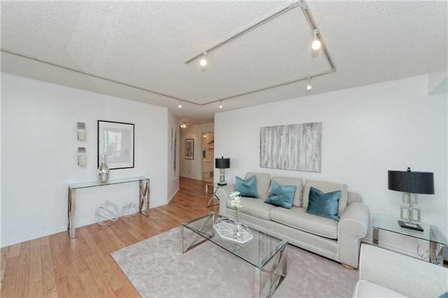 Condo Apartment at 18 Hollywood Ave, Unit 1405, Toronto, Ontario. Image 19