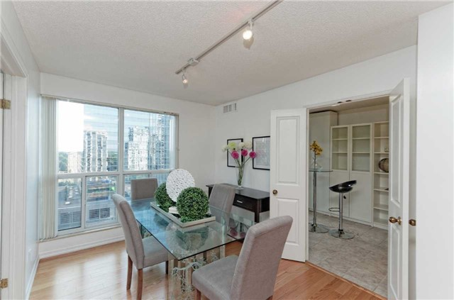Condo Apartment at 18 Hollywood Ave, Unit 1405, Toronto, Ontario. Image 2