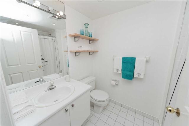 Condo Apartment at 18 Hollywood Ave, Unit 1405, Toronto, Ontario. Image 8