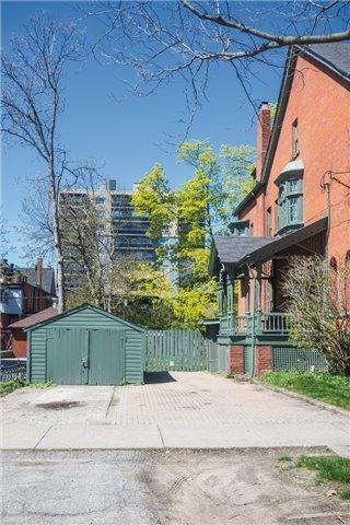 Semi-detached at 70 Madison Ave, Toronto, Ontario. Image 4