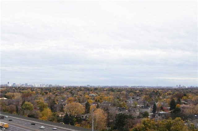 Condo Apartment at 100 Harrison Garden Blvd, Unit 1208, Toronto, Ontario. Image 13