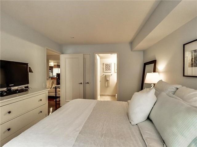 Condo Apartment at 60 St Clair Ave W, Unit 301, Toronto, Ontario. Image 11