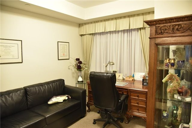 Condo Apartment at 1888 Bayview Ave, Unit 308, Toronto, Ontario. Image 17