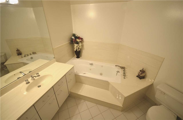 Condo Apartment at 10 Kenneth Ave, Unit 1406, Toronto, Ontario. Image 6