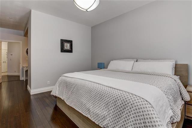 Condo Apartment at 980 Yonge St, Unit 208, Toronto, Ontario. Image 3