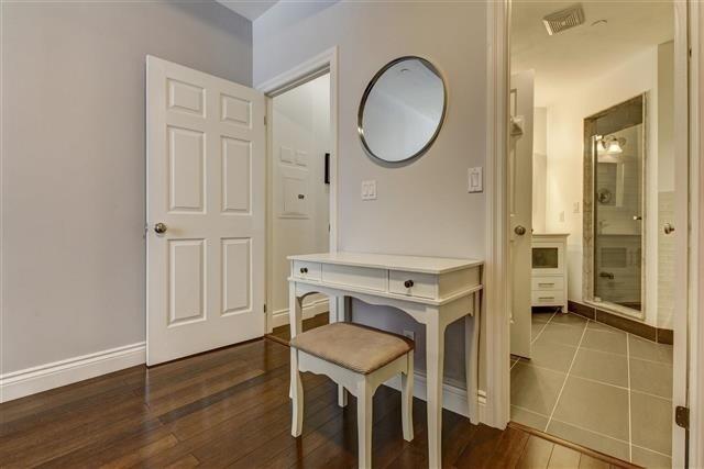 Condo Apartment at 980 Yonge St, Unit 208, Toronto, Ontario. Image 4