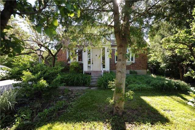 Detached at 39 Grantbrook St, Toronto, Ontario. Image 13