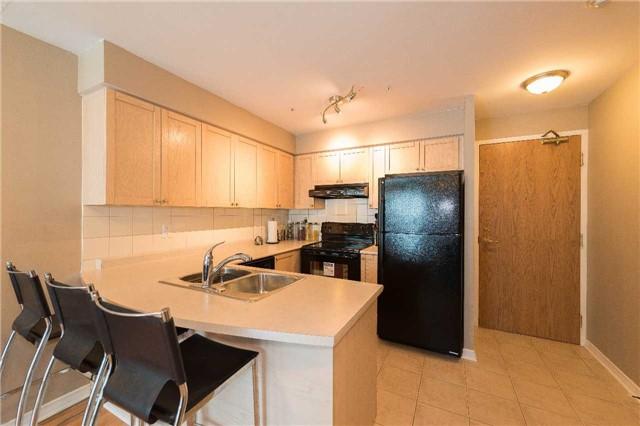 Condo Apartment at 5500 Yonge St, Unit 1705, Toronto, Ontario. Image 17