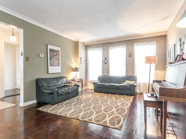 Detached at 47 Sandale Gdns, Toronto, Ontario. Image 14