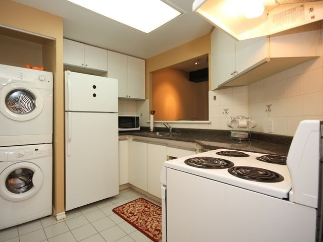 Condo Apartment at 88 Charles St E, Unit 304, Toronto, Ontario. Image 6