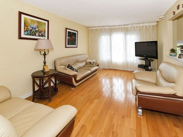 Semi-detached at 27 Henry Welsh Dr, Toronto, Ontario. Image 5