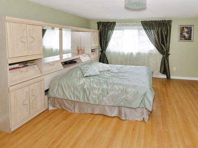 Semi-detached at 27 Henry Welsh Dr, Toronto, Ontario. Image 7