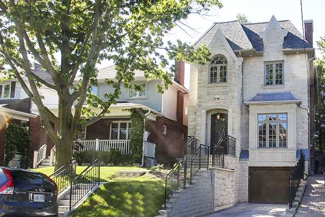 Detached at 100 Snowdon Ave, Toronto, Ontario. Image 1