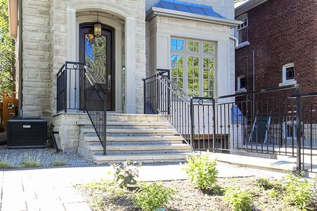 Detached at 100 Snowdon Ave, Toronto, Ontario. Image 14